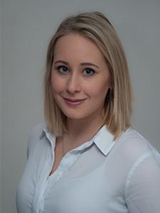 Assistentin Julia Niederhofer